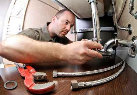 AM2R plombier Nantes, spécialiste du dépannage de plomberie 7 jours sur 7.